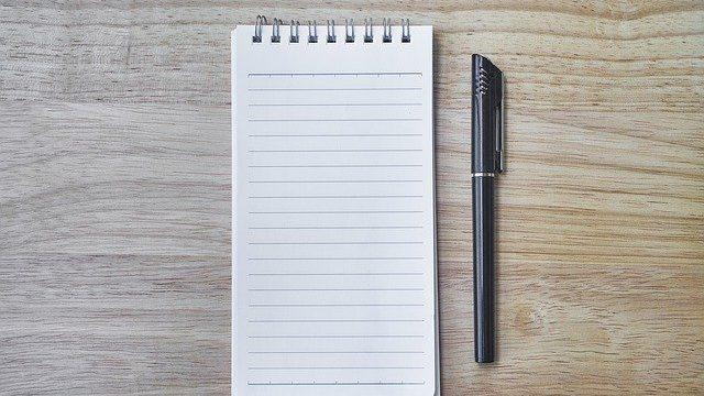 ペンで紙に整理する